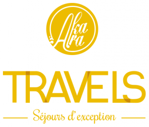 logo_travels_vertical